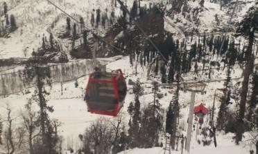 Conheça uma estação de esqui no alto do Himalaia