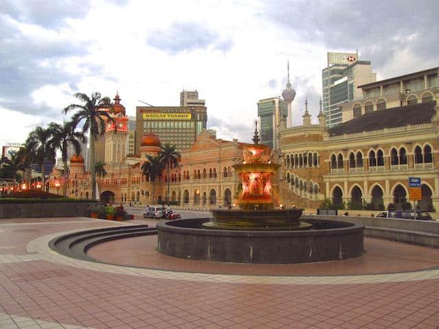 Praça em Kuala Lumpur