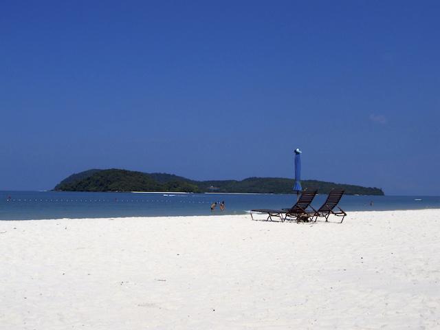 Cenang Beach - praia em Langkawi
