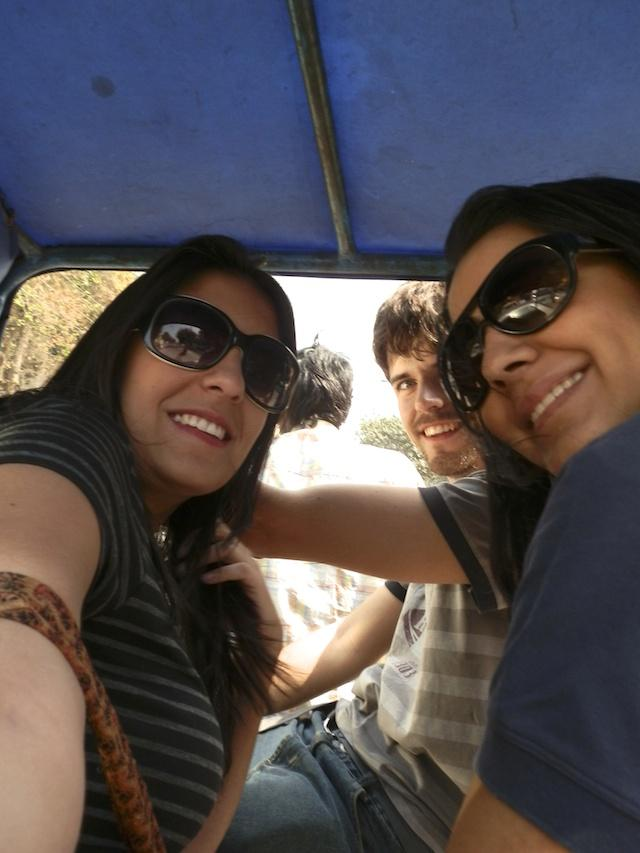 viagem de ciclerickshaw ou tuktuk