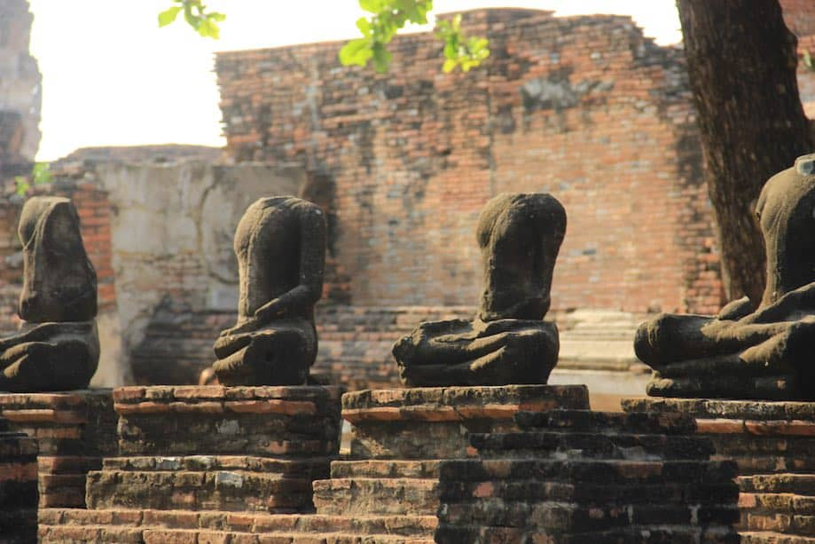 Budas em Ayutthaya, Tailândia