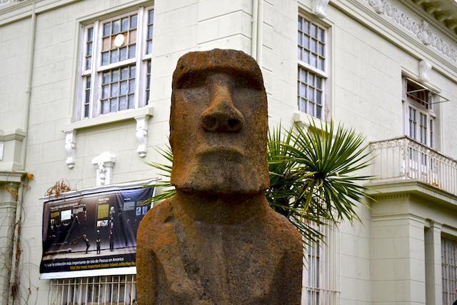 Estatua da Ilha de Pascoa em Valparaiso - Chile