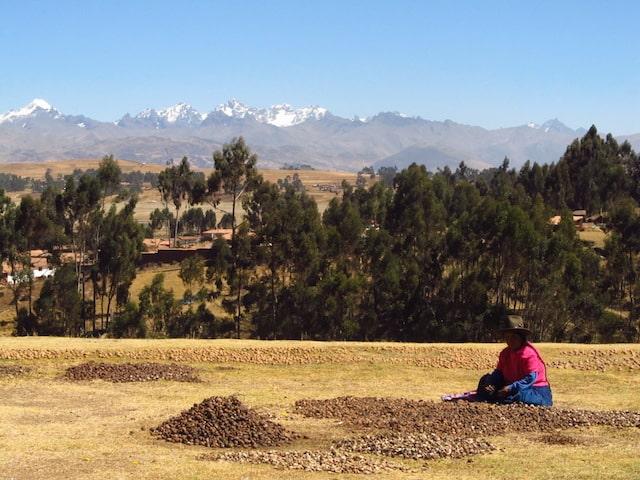 Mulher peruana no Vale Sagrado de Cuzco
