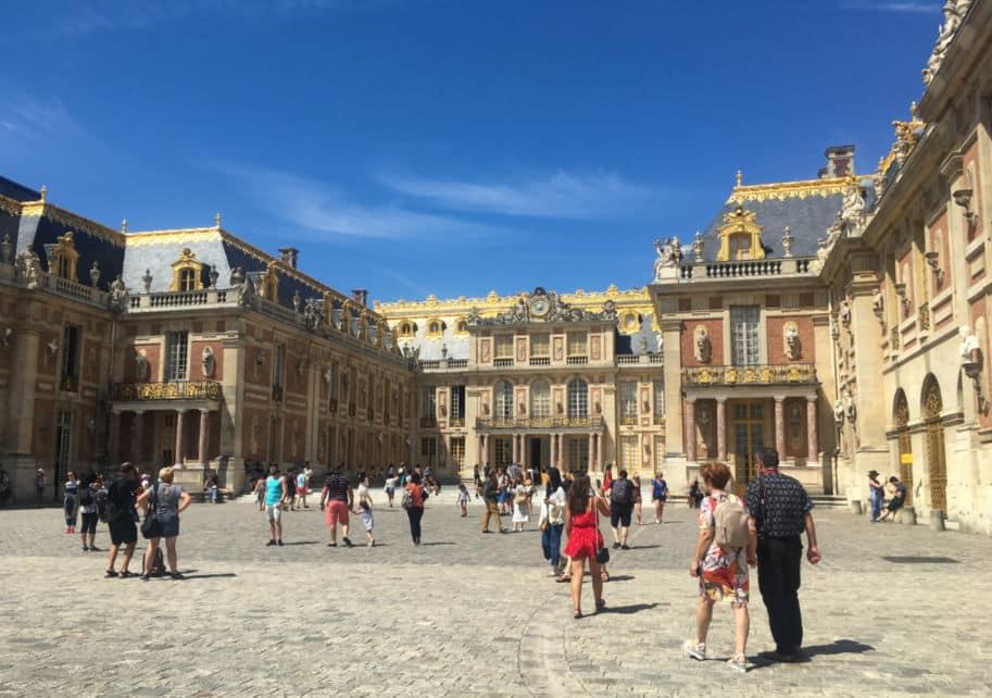 Patio de entrada no Palacio