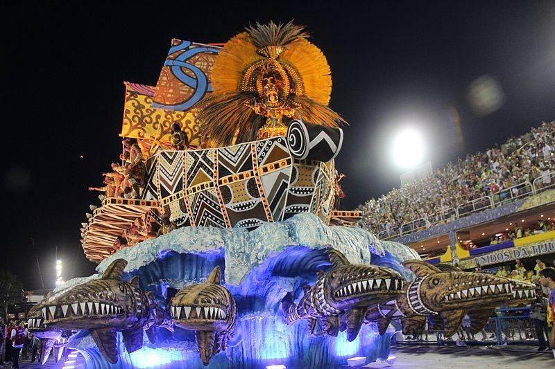 Carnaval_-_Desfile_da_GRES_Unidos_de_Vila_Isabel_Brazil_2012.jpg