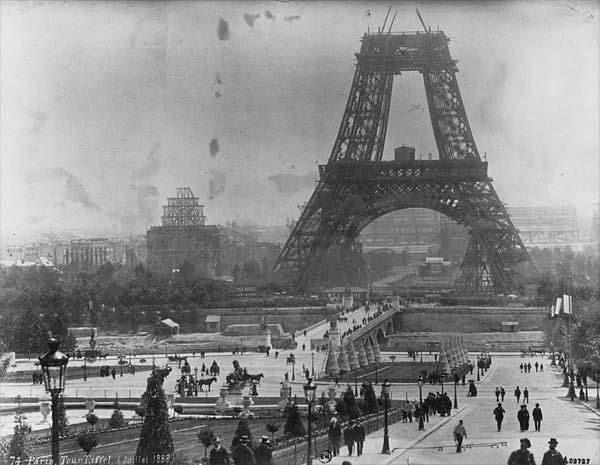 Construção da Torre Eiffel, Paris