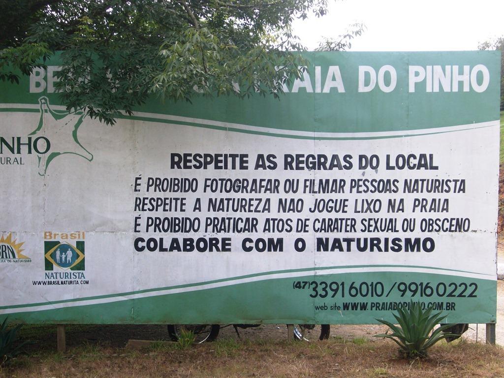 Praia-do-Pinho-Cambori.jpg
