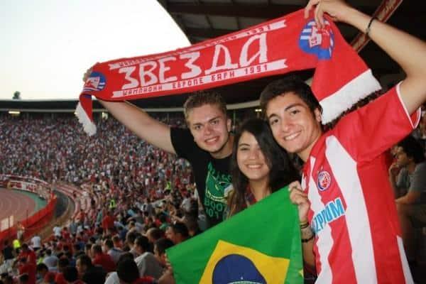Assistir a um jogo de futebol na Sérvia
