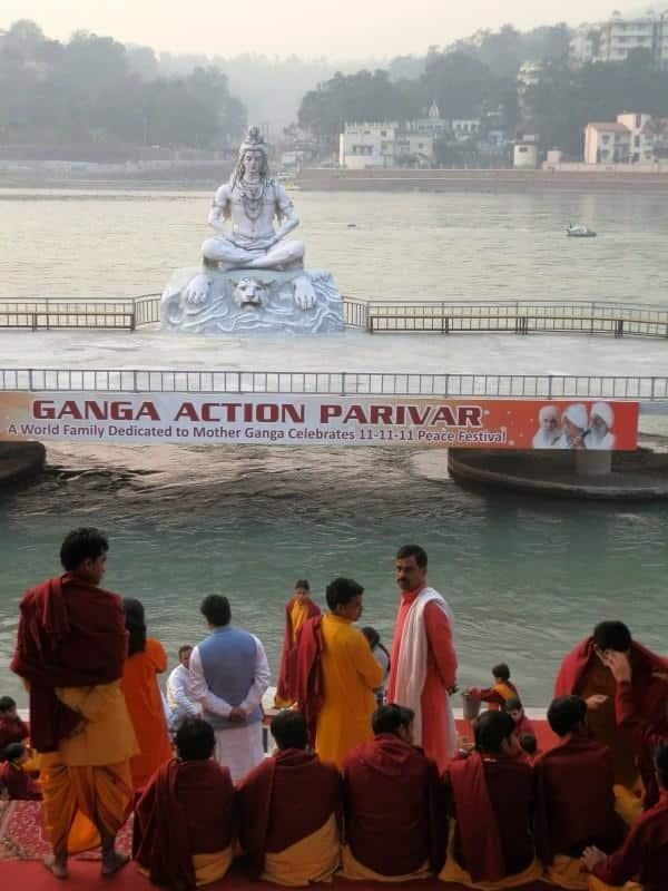 Cerimônia-no-Ganges