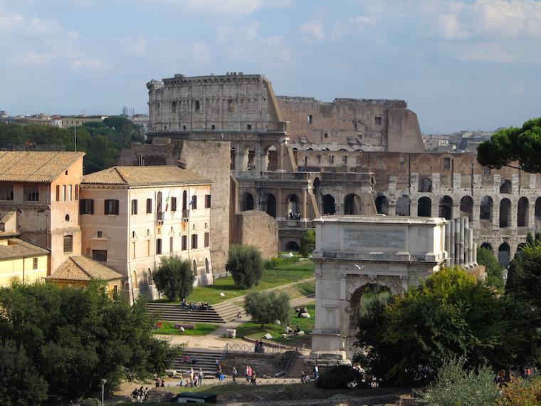 Arco do Triunfo, Fórum Romano
