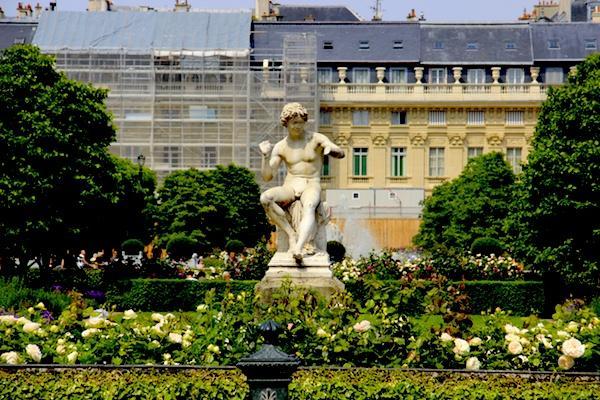 Jardim Palácio Nacional Paris