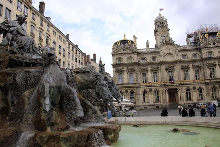 Praça em Lyon França