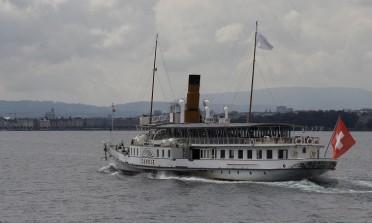 Passeios de barco pelo lago Genebra