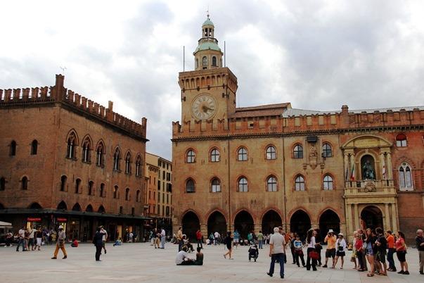 palazzo_bologna.jpg