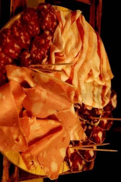 Presuntos, salames festival de comida italiana