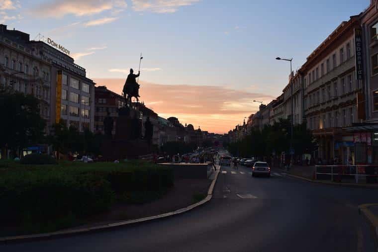 o que fazer em praga old town wenceslau square