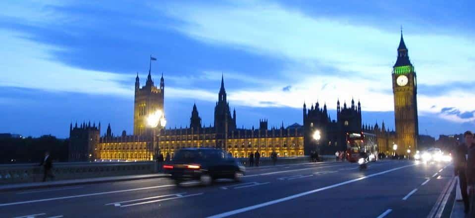 Como estudar no Reino Unido: guia completo