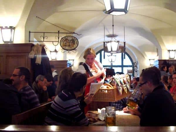 O que fazer em Munique em um dia: visitar um beer hall