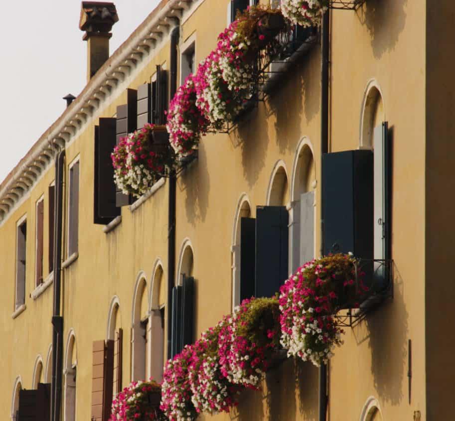 sacadas floridas em veneza