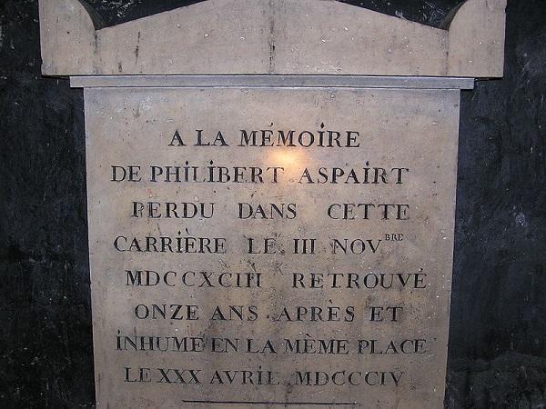 tumba nas catacumbas de paris