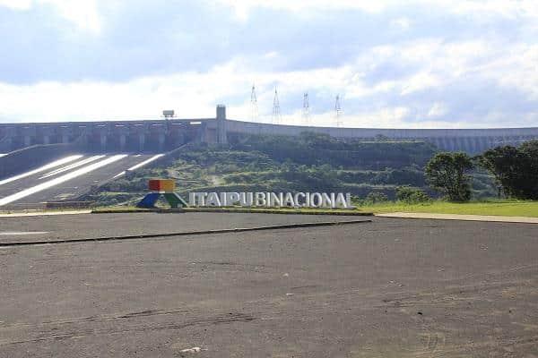 Turismo na usina de Itaipu