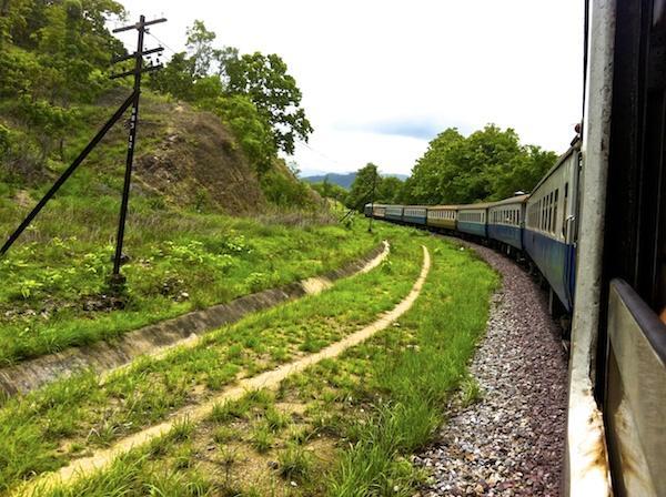 Viagem de trem pela Tailândia