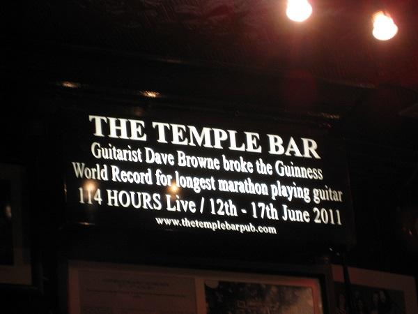 temple bar, noite na Irlanda