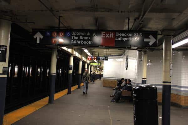 Placas do Metrô de Nova York