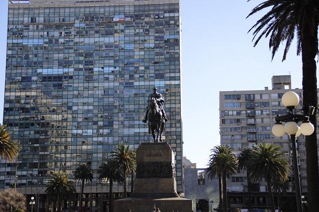 Qual moeda levar para o Uruguai