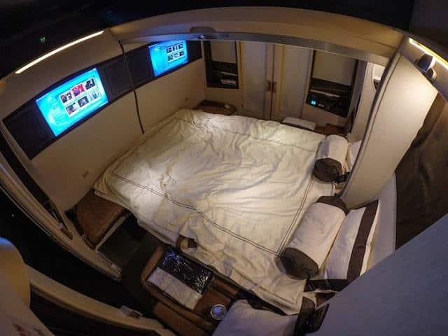 Cama da suites class cingapore