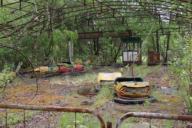 Pripyat,_autodrom_tour_chernobyl
