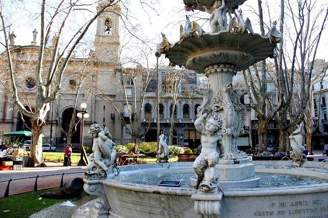 Praça e Catedral de Montevidéu