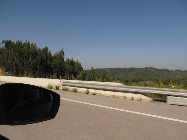 alugar carro em portugal estrada