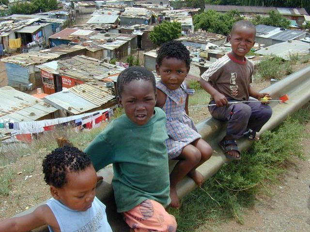 África Rafael Feltrin