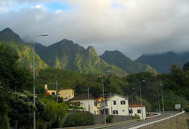 Estrada na Ilha da Madeira