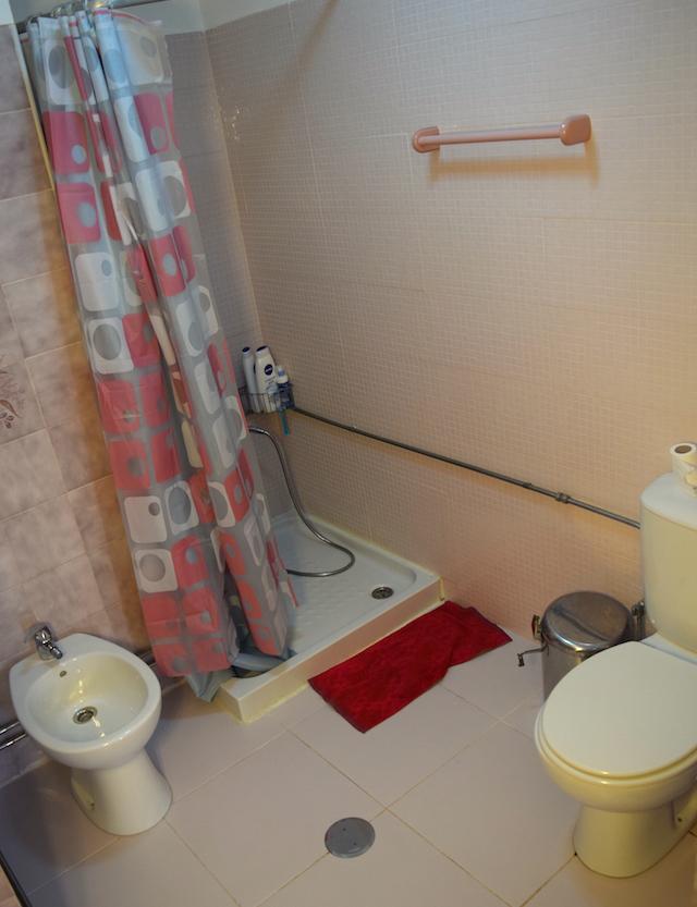 Banheiro no Exterior Luiza