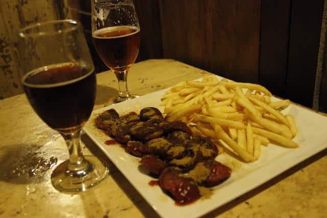 Comida na cervejaria Wals BH