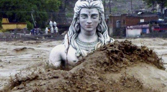 shiva-rishikesh-enchente-india