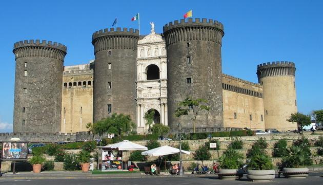 Napoles-Castel_Nuovo