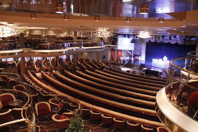 Teatro do cruzeiro Monarch - Pullmantur