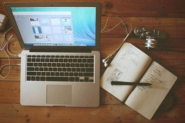blogueiros de viagem - computador