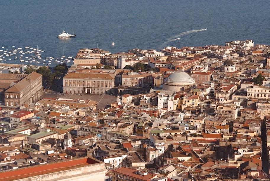 centro historico unesco napoles italia