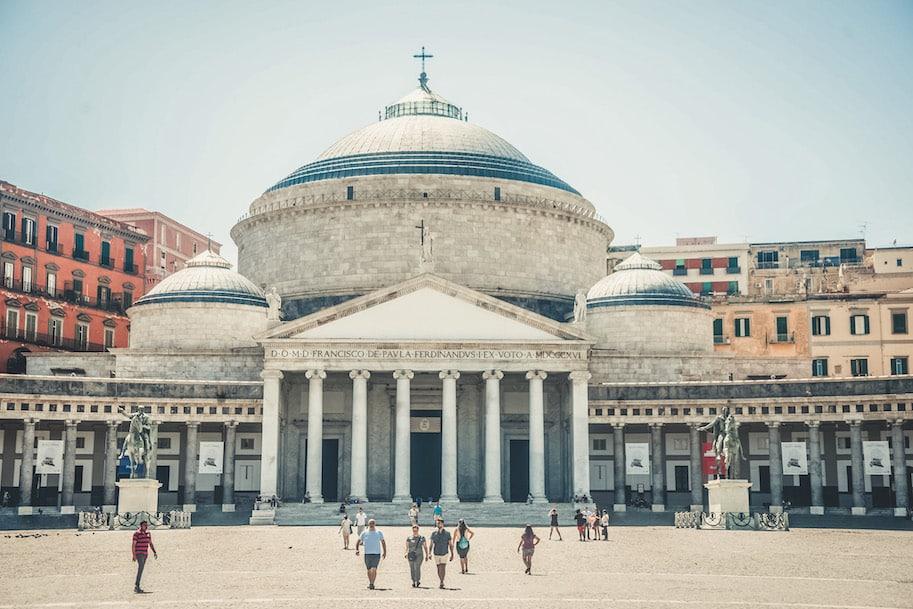 napoles italia piazza plebiscito