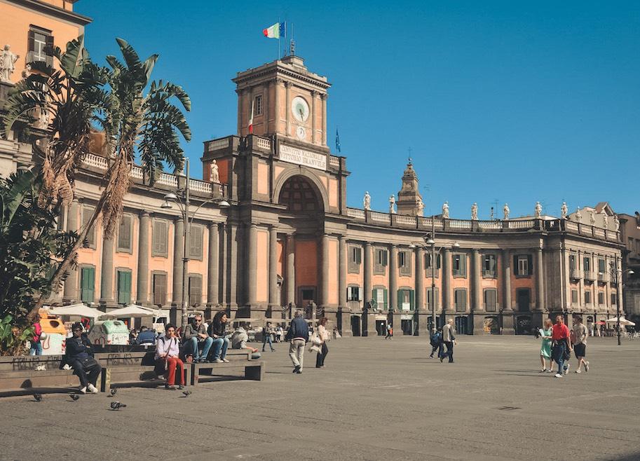 piazza dante pontos turisticos de napoles italia