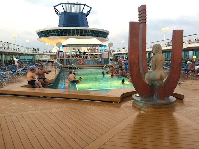 piscina do navio Monarch Pullmantur