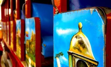 Chiva Bus, mistura de balada e city tour em Cartagena