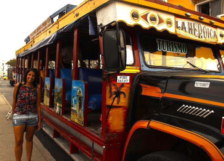 Chiva Rumba Bus em Cartagena das Índias, Colômbia