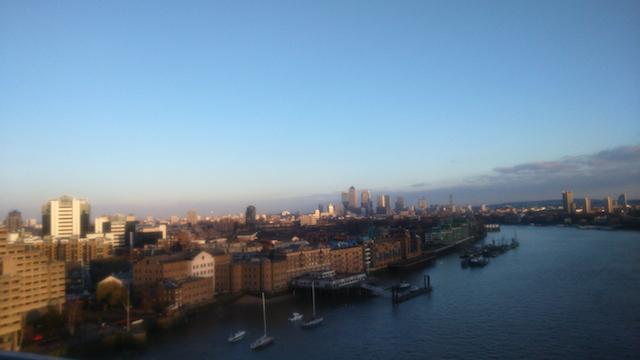 Tower Bridge Londres vista lado B