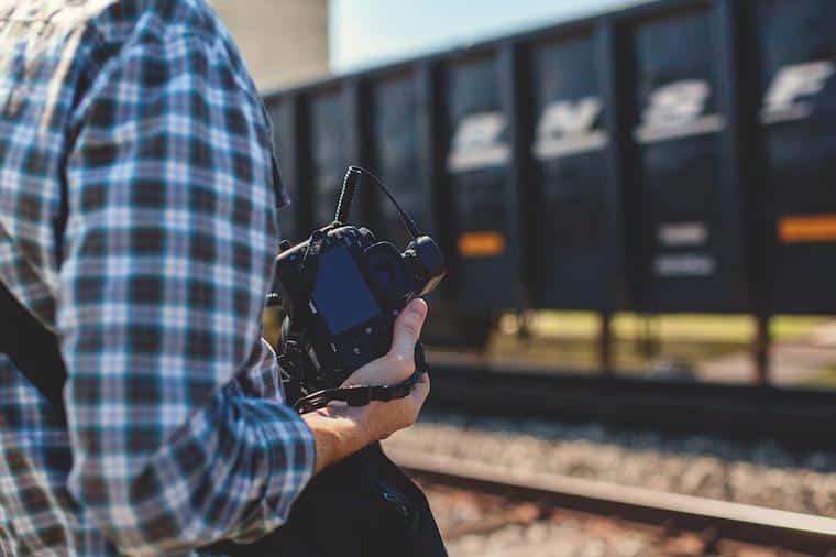 Viajante com câmera