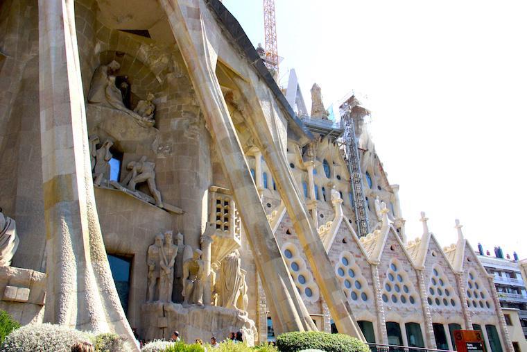 Fachada da Sagrada Família de Barcelona